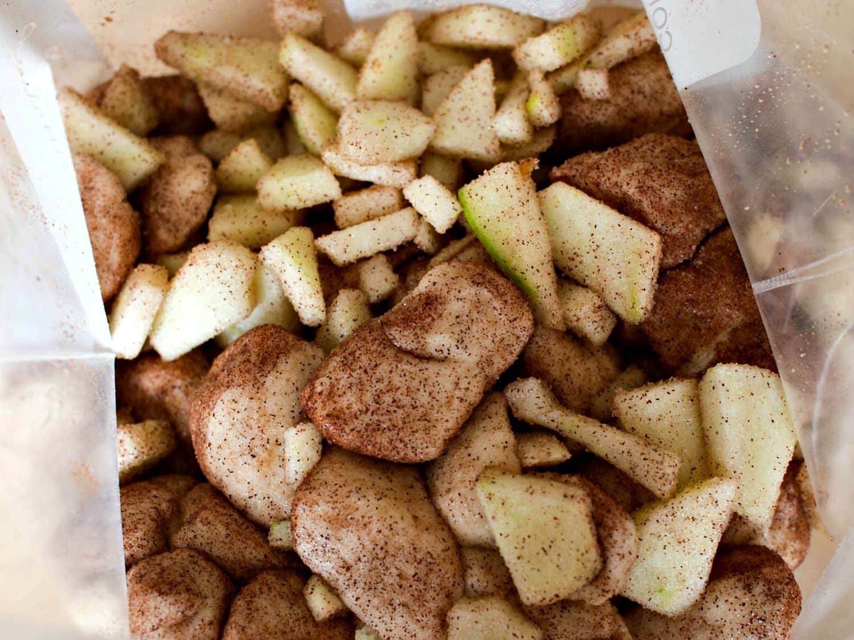 Apple Monkey Bread Muffins - an easy apple dessert for the family