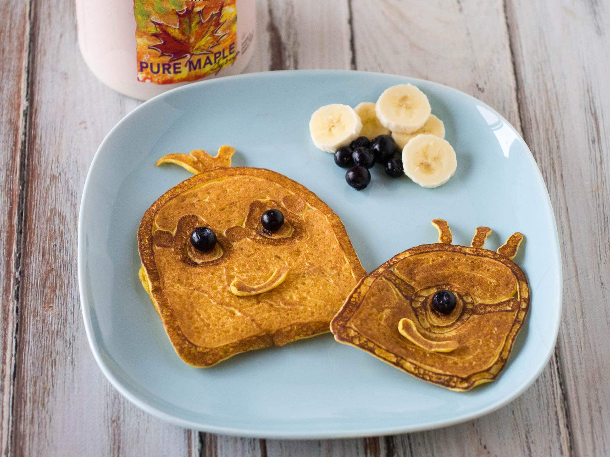 Minions pancakes easy to make minoins pancakes are the perfect meal for family movie night use pancake ccuart Gallery