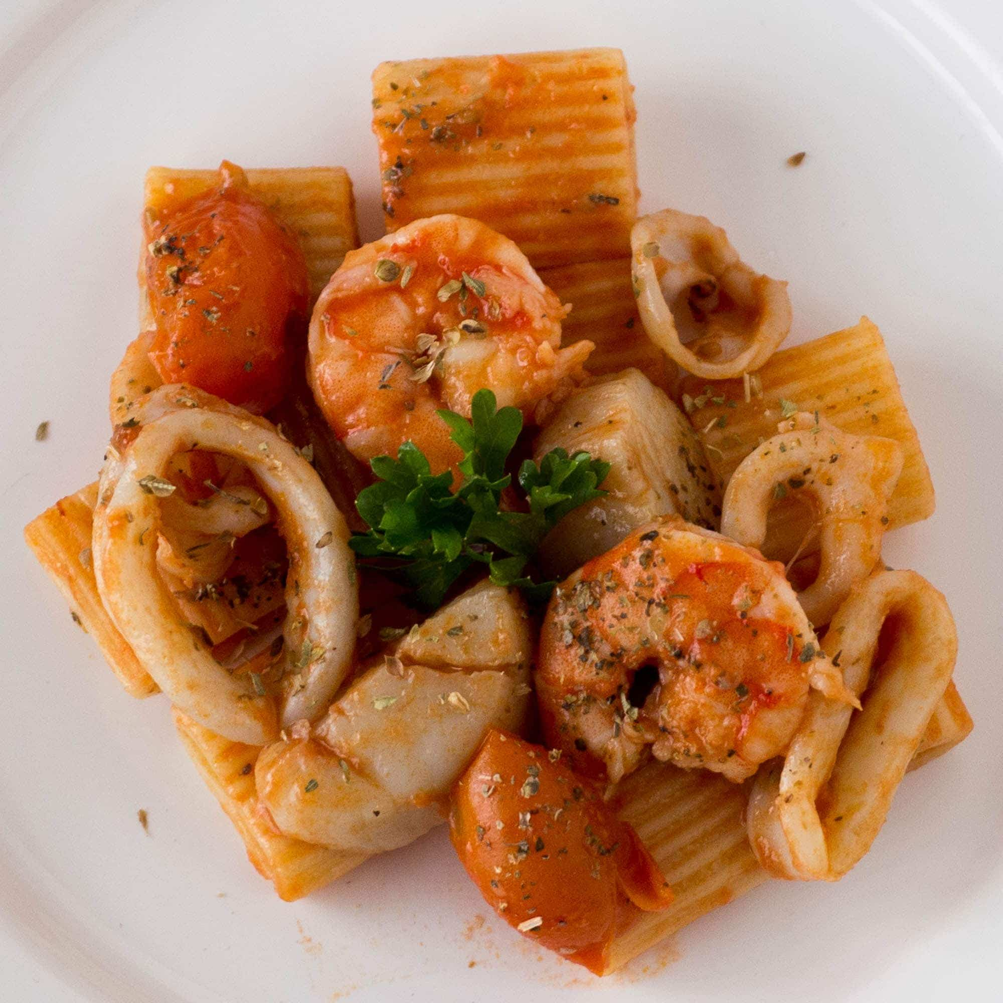 Easy Seafood Pasta with Calamari, Shrimp, Scallops and Tomatoes | Quick Dinners | Simple Meals