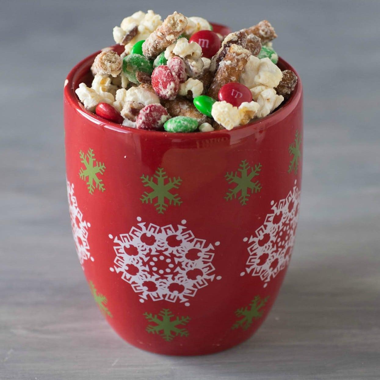 White Chocolate M&M popcorn | Holiday Popcorn Mix | Popcorn Recipes