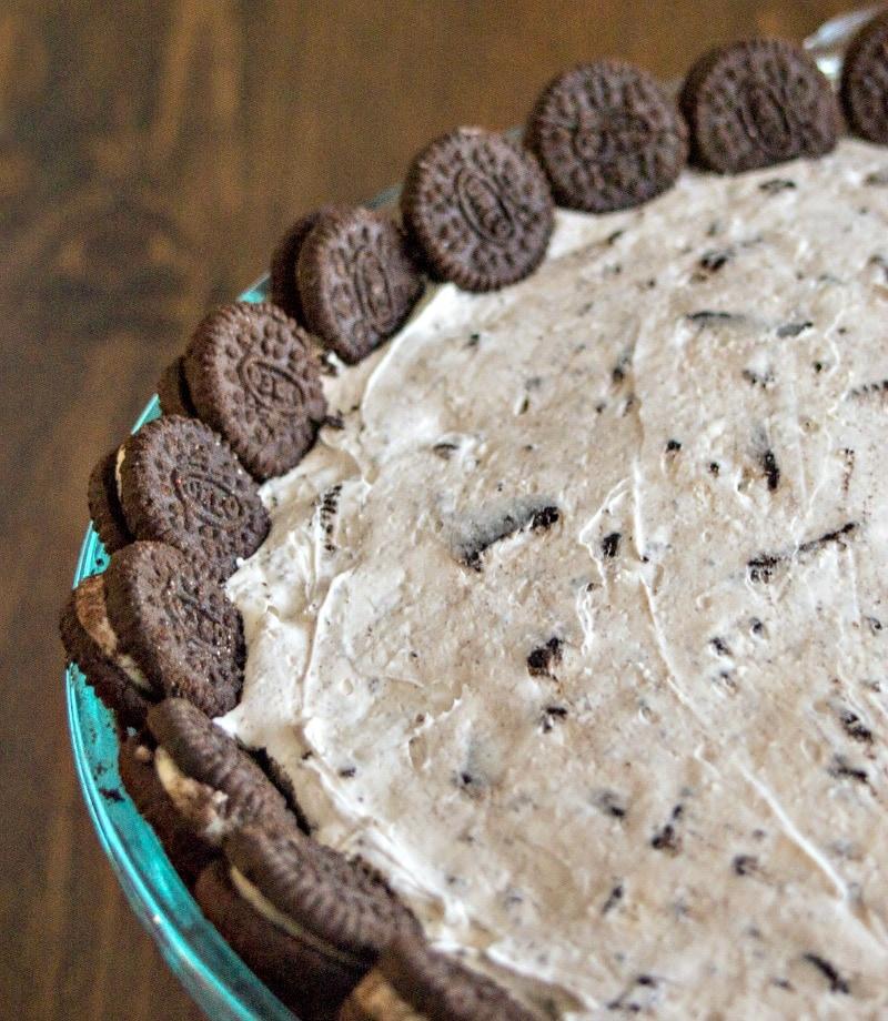 No bake Oreo cookie pie