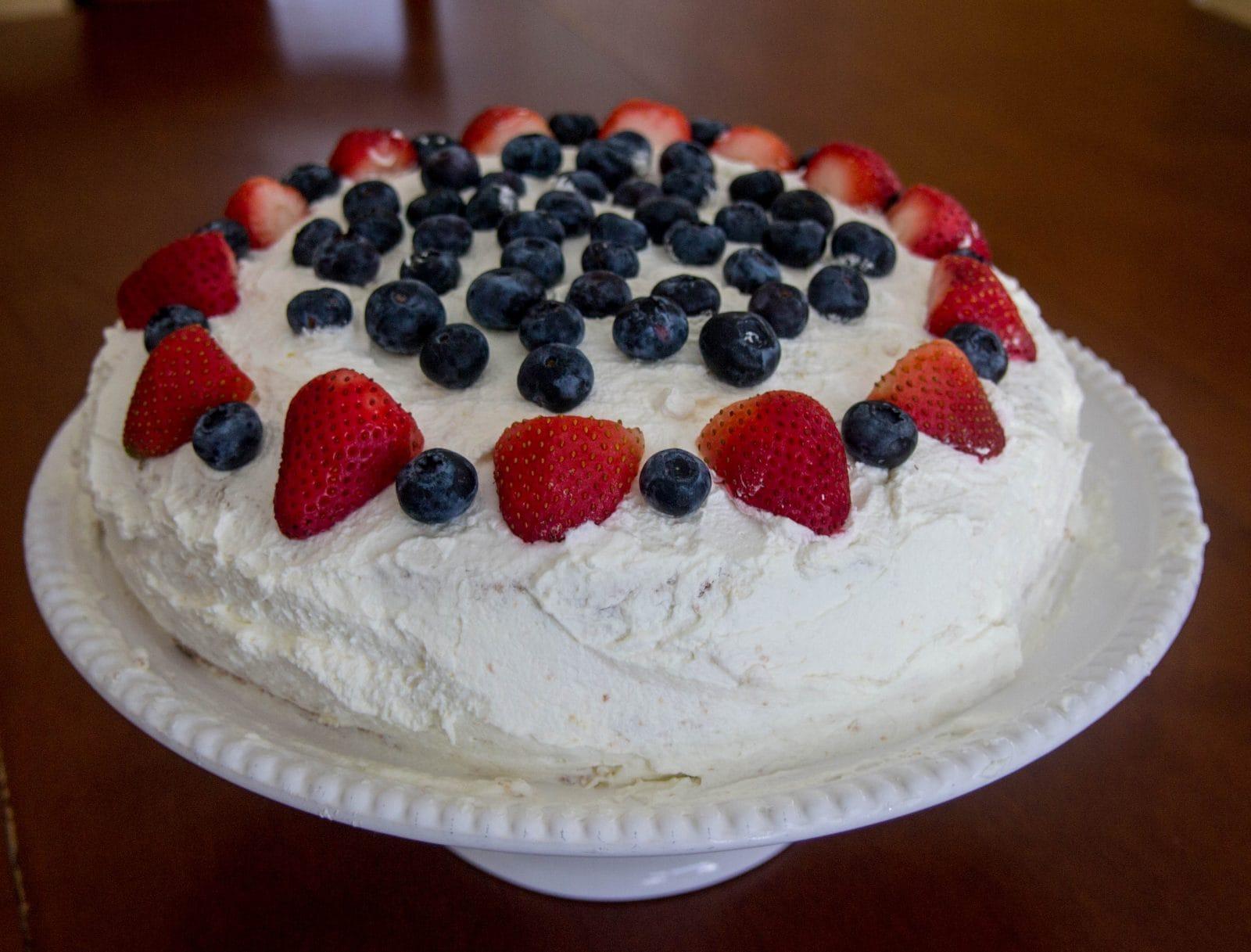 Traditional Norwegian Cream Cake - BlØtkake