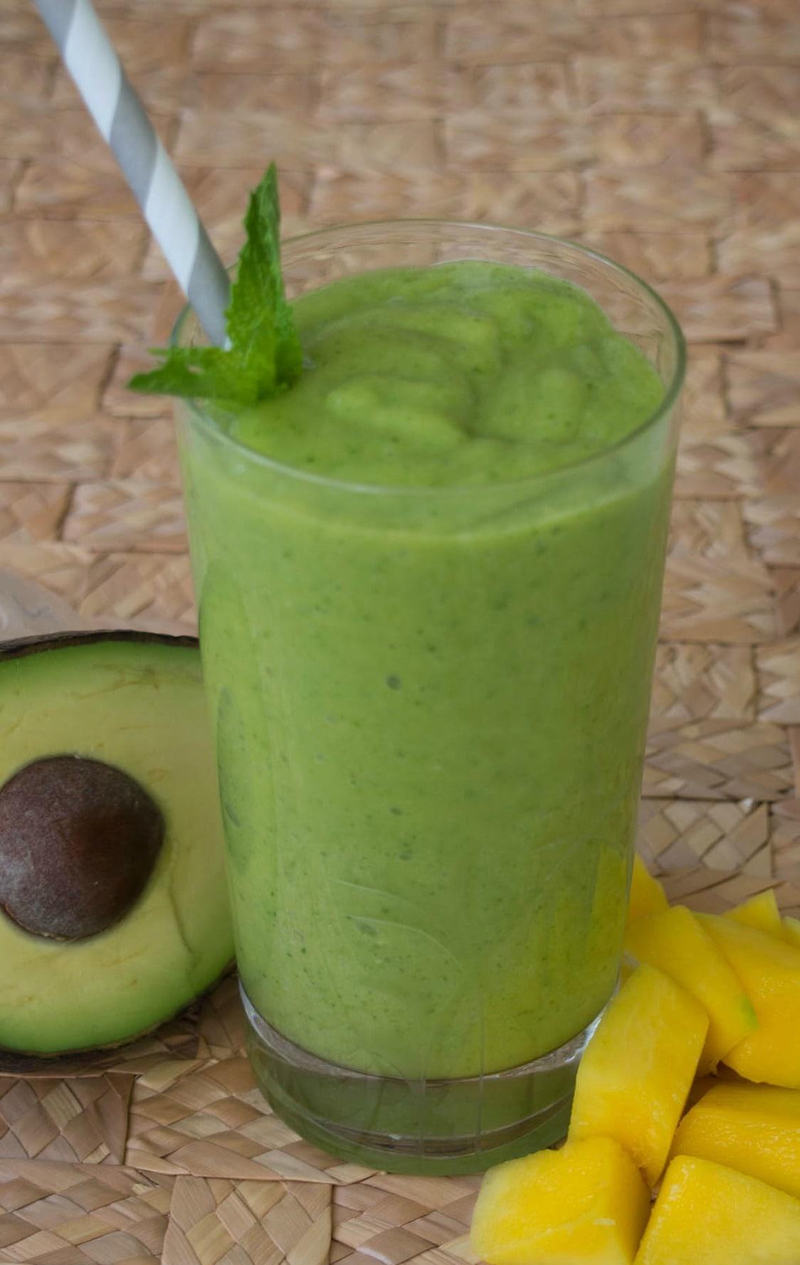 Mango Avocado Smoothie   Dairy Free Smoothie   Easy 5 Ingredient Smoothie   Green Smoothie   Healthy Snack   Green Food   St. Patrick's Day Treat