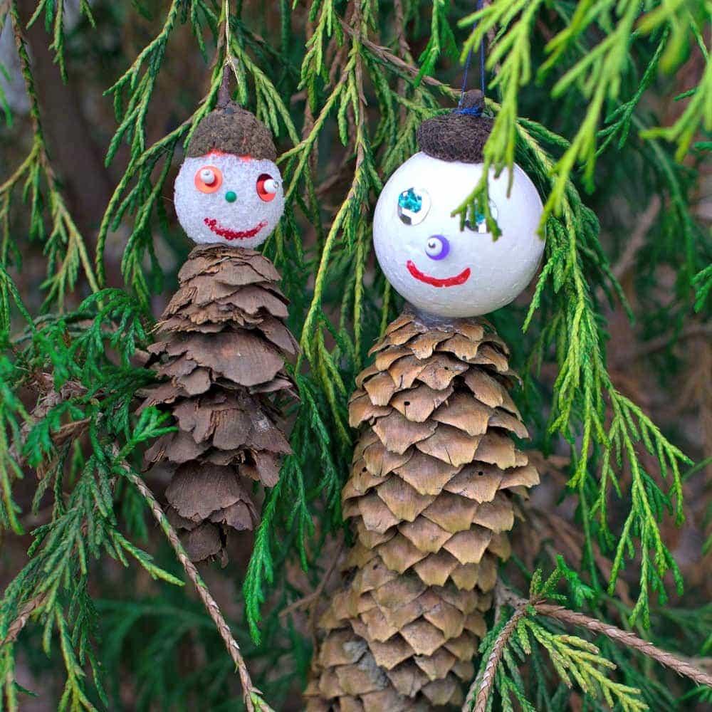 Pine Cone Ornaments | DIY Christmas Ornaments | Acorn Cap Crafts | Pine Cone Men | Pinecone DIY | Creative Xmas Decorations | easy kids crafts