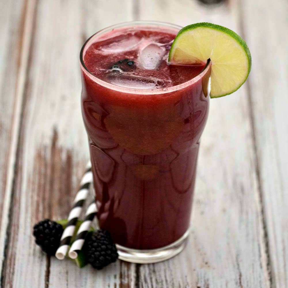 Blackberry Limeade Recipe - a refreshing drink made with limes and blackberries