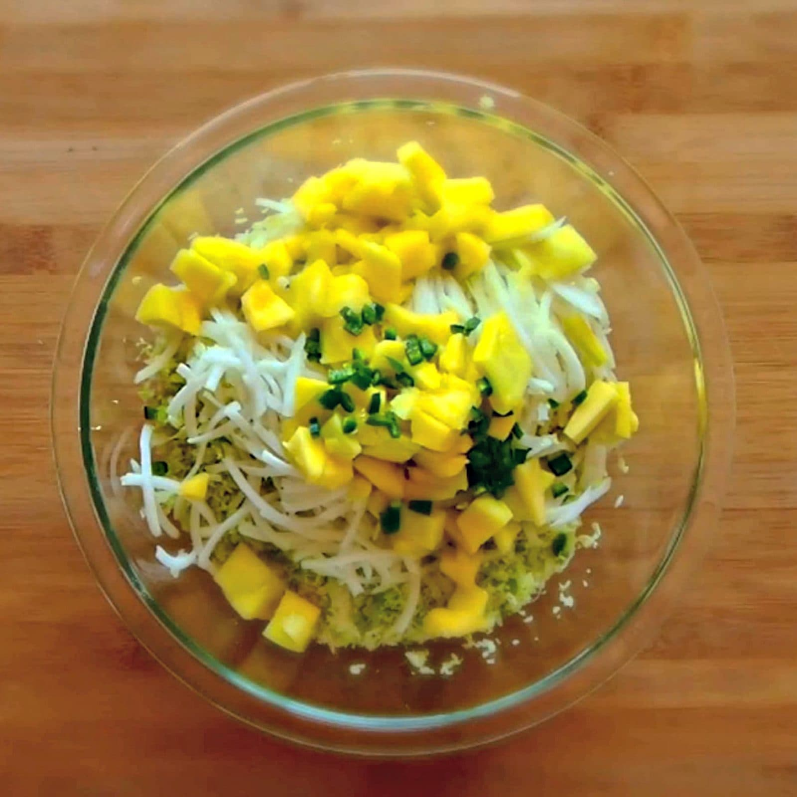 kohlrabi with cabbage, mango and jalepeno