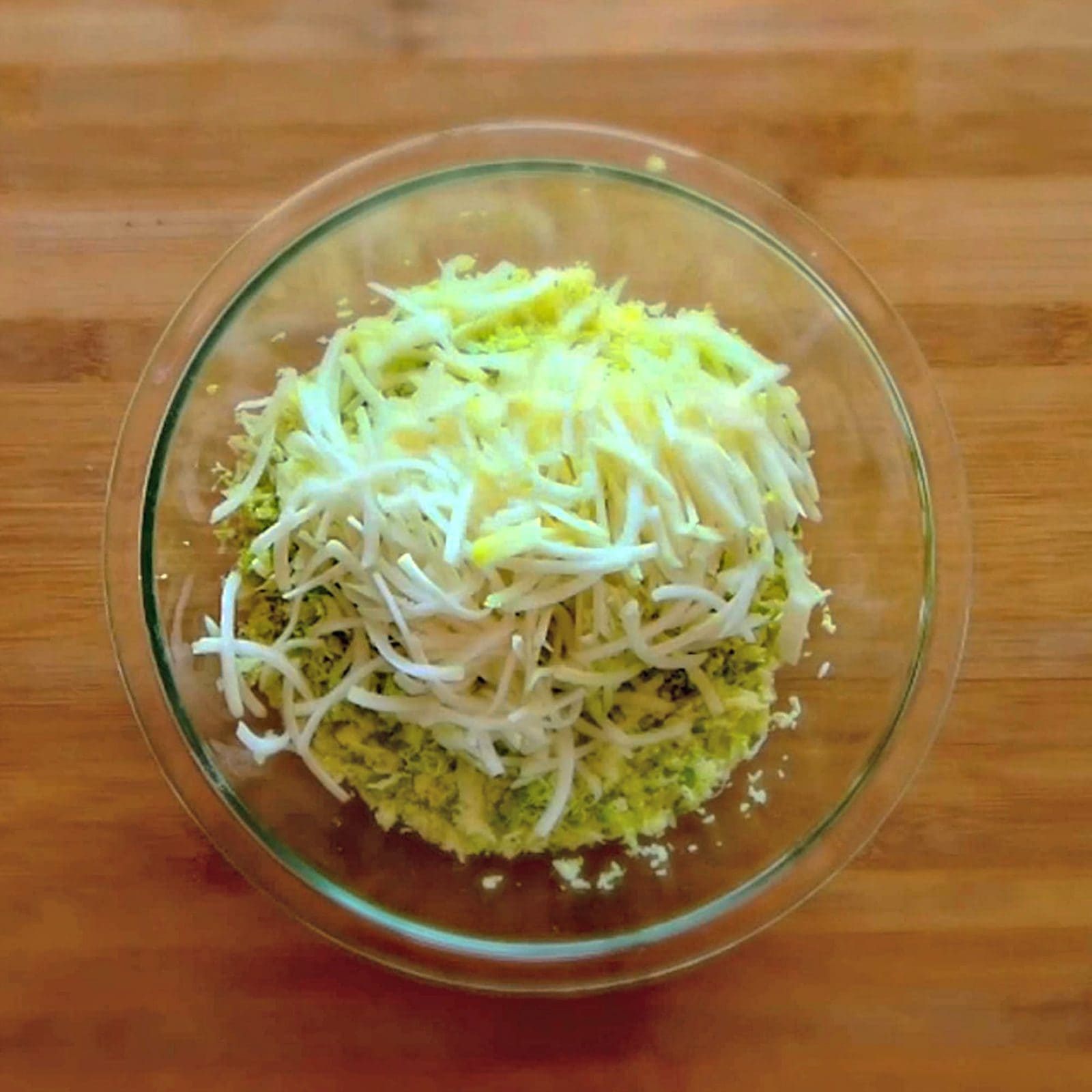 Kohlrabi and cabbage