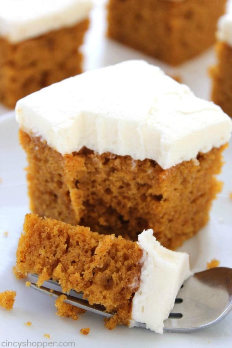 Maple Bundt Cake Sour Cream