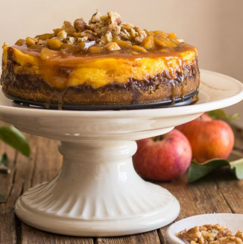 Maple Apple Caramel Cheesecake - a delicious homemade cheesecake for the fall